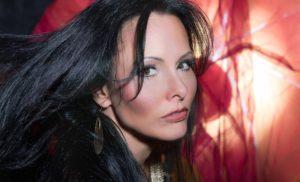 Profesionální zpěvačka Ellen Lenská